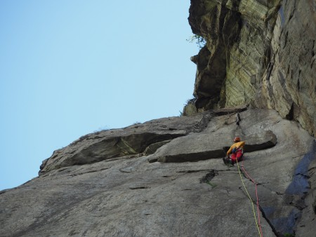 Bolted crack climbing - a superb route in the Aosta Valley