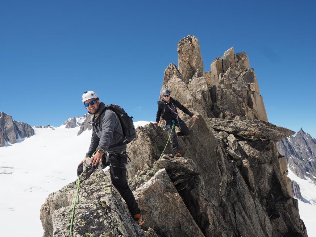 The narrow ridge on the Entreves traverse